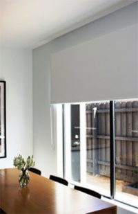 photo of sunscreen blinds