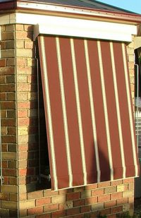 image of a red crank blinds